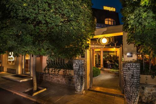 . Uniqato Hotel