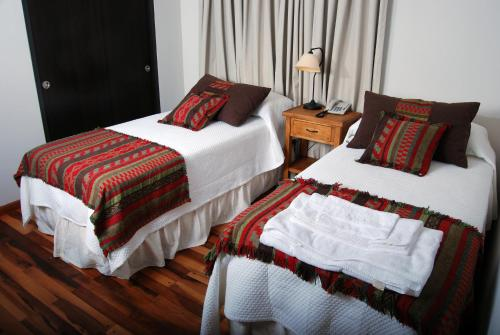 . Río Arriba Suites & Apartments & Restó