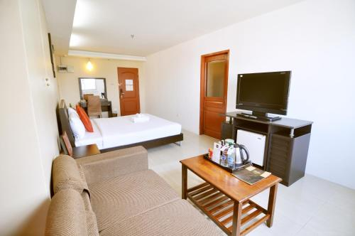 Centric Place Hotel photo 11