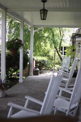 Edgewater Inn & Riverside Grill - Huntingdon, PA 16611