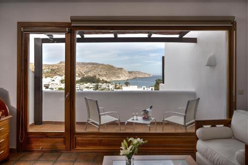 Suite con vistas al mar y bañera de hidromasaje Boutique Hotel El Tio Kiko 11
