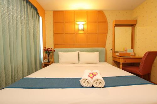 Silom Avenue Inn photo 2