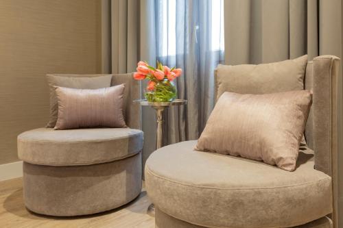 Habitación Doble Deluxe con jacuzzi® Hotel Palacete de Alamos 12