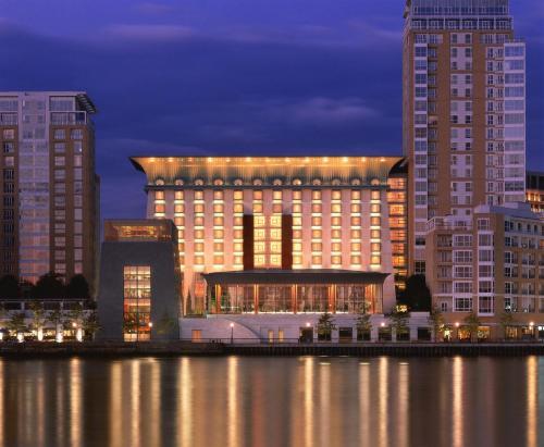 Canary Riverside Plaza Hotel impression