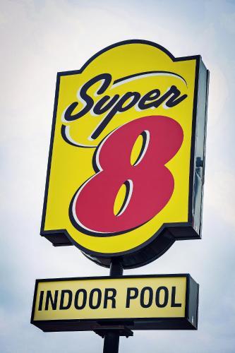 Super 8 By Wyndham Amherst Ns
