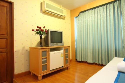 Silom Avenue Inn photo 6