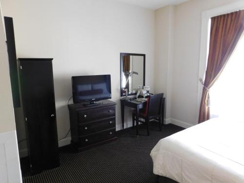 The Washington Inn - Oakland, CA 94607