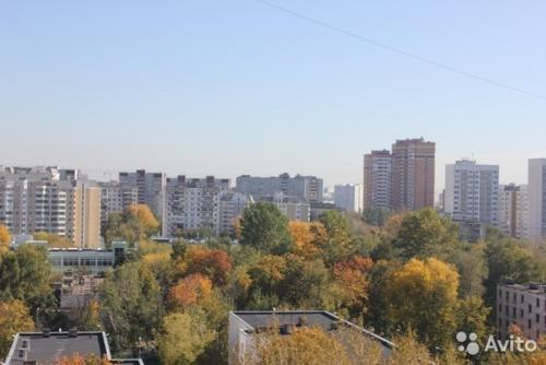 . Apartment Tikhomirova 1