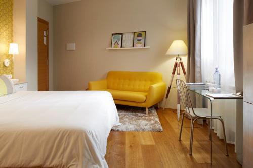 Doppel- oder Zweibettzimmer – Erdgeschoss mit Bergblick Hotel San Prudentzio 7