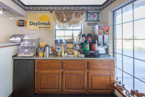 Days Inn By Wyndham Erick - Erick, OK 73645