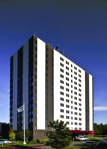 Inlet Tower Hotel & Suites