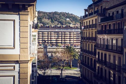 C/ Legazpi 12, 20004 San Sebastián, Spain.