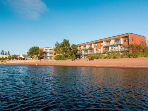 East Bay Suites - Accommodation - Grand Marais