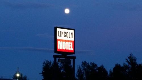 . Lincoln Motel