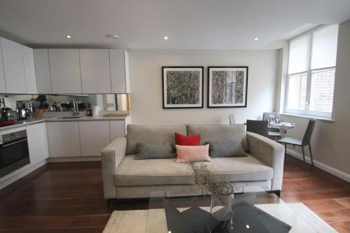 Chancery Lane Apartments picture 1 of 8