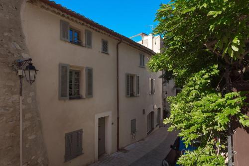 Appartements Corail et Celadon - Location saisonnière - Saint-Tropez