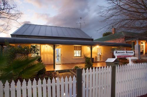 Rawson's Retreat - Five Bedroom Home - Walk CBD - Includes Breakfast