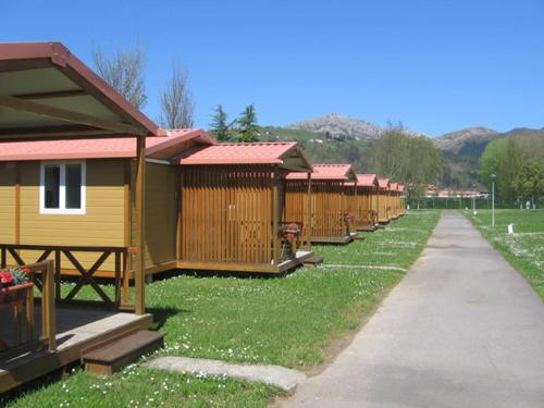 Special Offer - Two-Bedroom Bungalow (2 Adults)