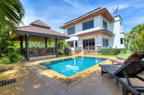 Serisa 3 bedroom pool villa Serisa 3 bedroom pool villa