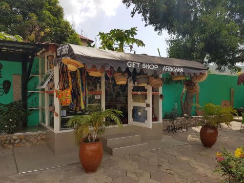 De Mod Hotel, Awutu Efutu Senya