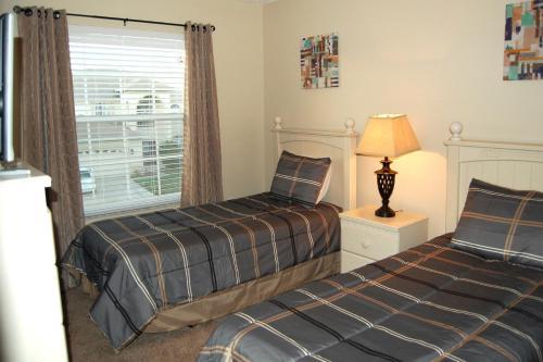 Florida Lake Villa 5 - Kissimmee, FL 34758