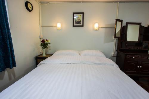Baan Gaysorn Hostel photo 29