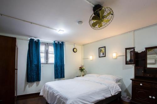 Baan Gaysorn Hostel photo 30