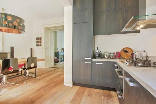 Vondelpark Stylish Apartment photo 17
