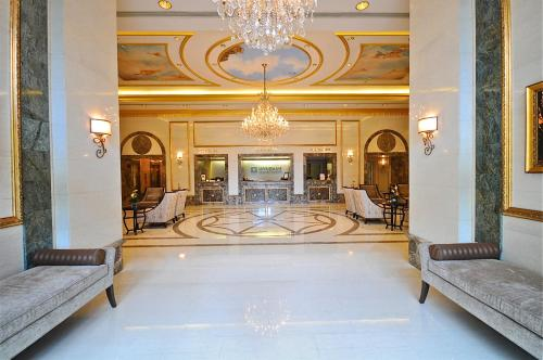 Vacation Rental Suites At Royal Garden Waikiki - Honolulu, HI 96815