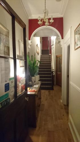 Lawnswood Guest House (B&B)