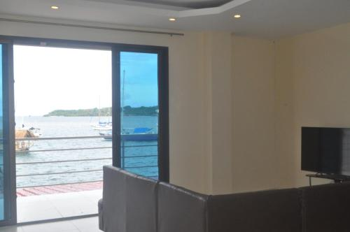Three-Bedroom Apartment with Sea View- 201