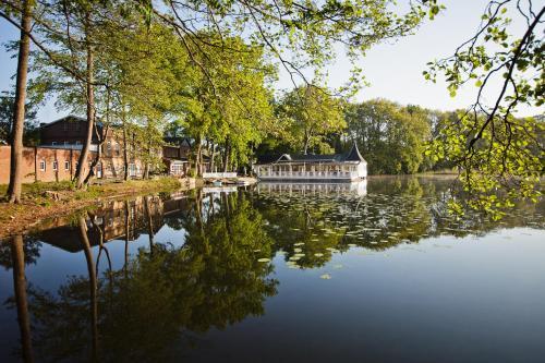 . Bokel-Mühle am See