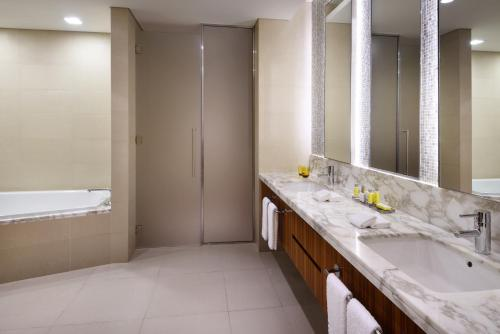 Marriott Hotel Downtown Abu Dhabi photo 30
