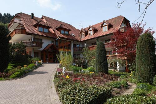 . Hotel Garni Café Schacher