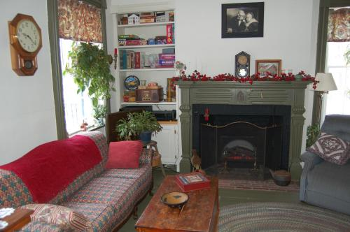 James Manning House B&b - Honesdale, PA 18431