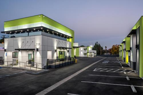 Motel 6-Canoga Park CA - Winnetka, CA CA 91303
