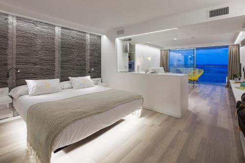 Sud Ibiza Suites Aðalmynd