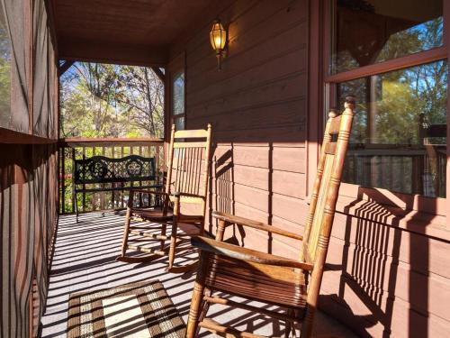 Annie's Smoky View - Two Bedroom Home - Gatlinburg, TN 37738