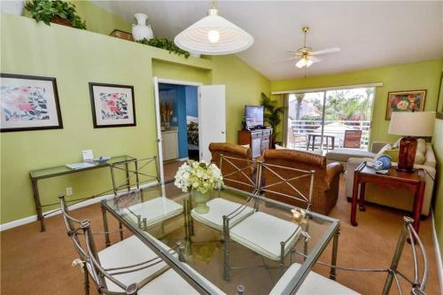 Vista Verde East - Two Bedroom Condo - 6-247 - St Petersburg, FL 33715