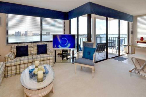 Palma Del Mar - Two Bedroom Condo - E-608 - St Petersburg, FL 33715