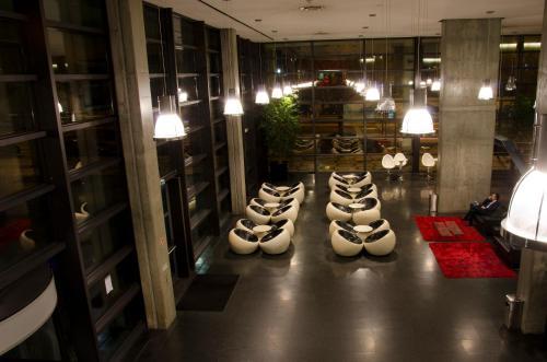 VIP Executive Arts Hotel photo 2