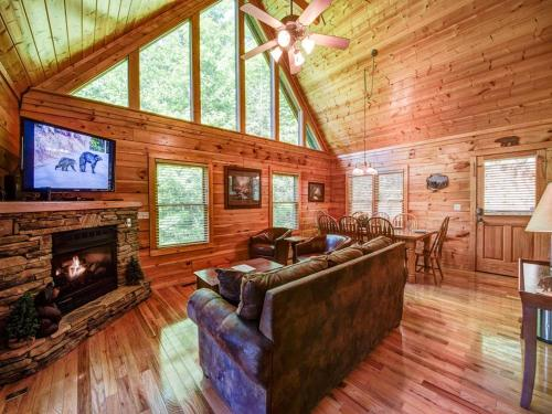 Bear's Corner - Three Bedroom Home