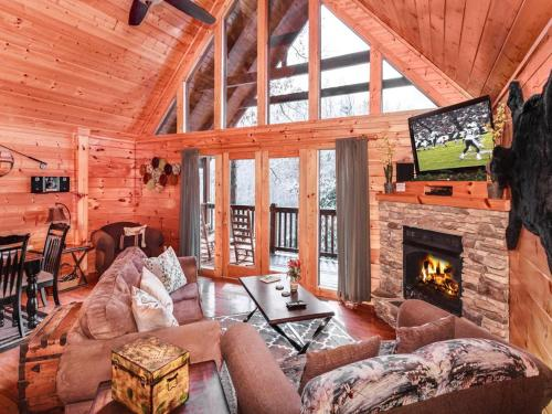 Smoky Bear Lodge - Four Bedroom Home