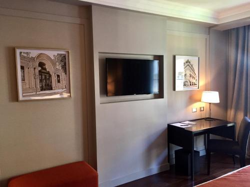Carles Hotel photo 5