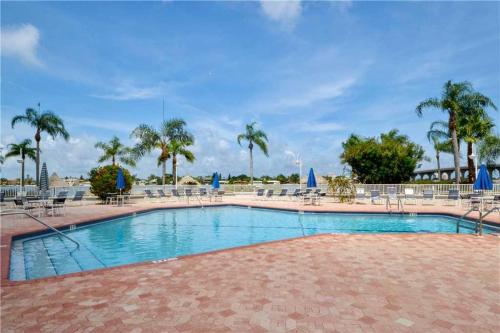 Bahia Vista - Two Bedroom Condo - 13-150 - St Petersburg, FL 33715