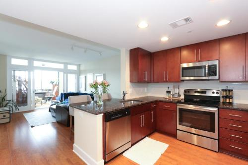 Luxury 2 Bed Apartment With Capitol View - Washington, DC 20001