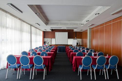 VIP Executive Arts Hotel photo 11