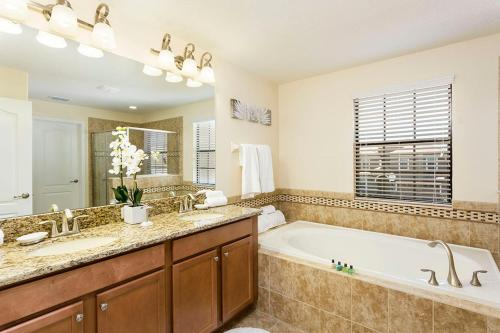 Champions Gate - Five Bedroom Villa - CG005 - Davenport, FL 33896