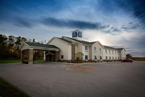 Cobblestone Hotel & Suites - Knoxville - Knoxville, Iowa