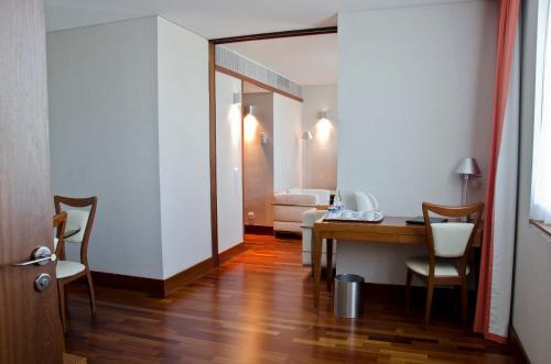VIP Executive Arts Hotel photo 16